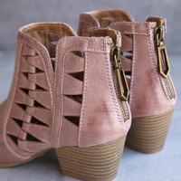 'Alesso' chunky stacked heel cut out bootie - blush