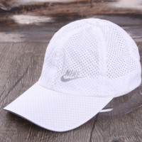 NIKE New fashion letter hook print couple mesh cap hat White