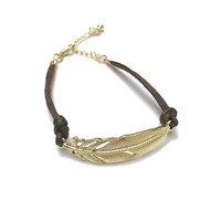 Gold Feather Bracelet, 18 Karat Gold Plated Feather Bracelet, Bridesmaid Gift, Gifts for Her, Boho Chic Jewelry, Gold Bracelet