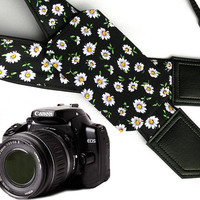 Daisies Camera strap with pocket. Flowers camera strap.  dSLR Camera Strap. Camera accessories. Canon camera strap. Nikon camera strap.