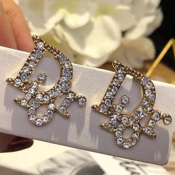 Dior brand is full of diamond fashion brand letter double C full of diamond small ear stud