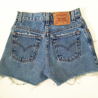 VTG Distressed Levi Shorts by UneFemmeEsteUneFemme on Etsy