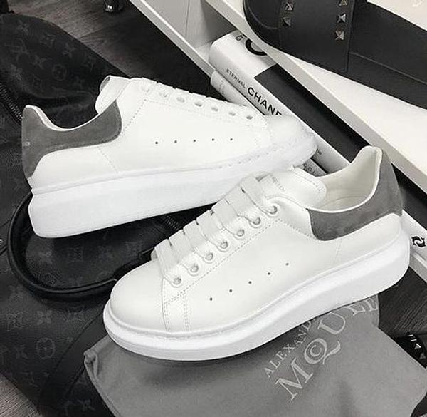 Image of Alexander McQueen Shoes Fashionable Casual Shoes