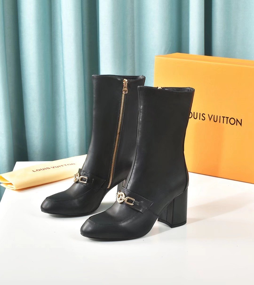 Image of LV Louis Vuitton Trending Women's Leather Side Zip Lace-up Ankle Boots Shoes High Boots 07125