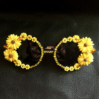 2016 new retro vintage sunglasses metal flower Baroque sunglasses Chrysanthemum Rhinestone design sunglasses luxury Sunny Beach