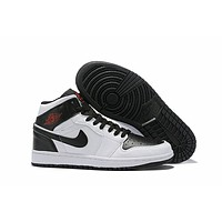 Air Jordan 1 - Black/White
