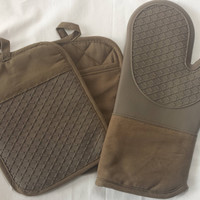 Naturally Home 100% Cotton Oven Mitt Set with Silicone Backing - One Oven Mitt and 2 Matching Pot Holders with Pockets (Taupe/Grey)