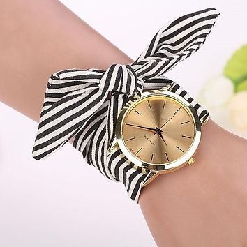 Fashion Quartz Watch Women Stripe Floral Cloth Clock Dial Bracelet vestidos Wristwatch saat Montre Femme Relogio Feminino 2017