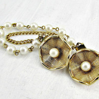 Vintage Sweater Guard Clip, Gold Flower Sweater Clip, Pearl Sweater Clip, Collar Clip Chain, Cardigan Clip Chain, 1950s Rockabilly Jewelry