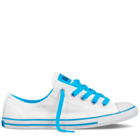 White Chuck Taylor Dainty : Womens Converse | Converse.com
