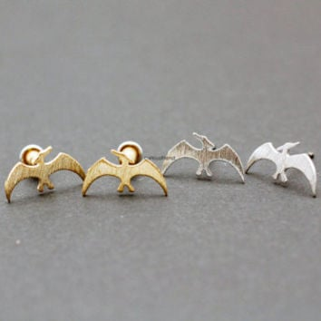 Dinosaur Stud Earrings / Pterodactyl Stud Earrings / dino studs earrings / Animal post earrings - available color in 2color (silver,gold)