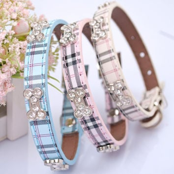New Fashon Classical Plaid Dog Collar Bandana Adjustable Leather Pet Puppy Collars Cachorro Bling Rhinestones Bone Necklace