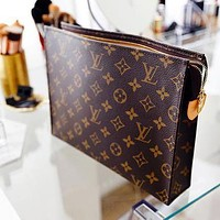 LV Women Makeup Bags Handbag Men's Business Bag Louis Vuitton Classic Clutch Bag