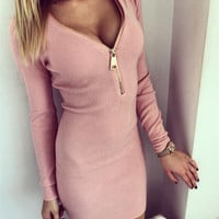Autumn Women Knitted Dress Deep V Neck Zipper Front Long Sleeve Sexy Dress Plus Size Bodycon Club Sweater Dresses Vestidos