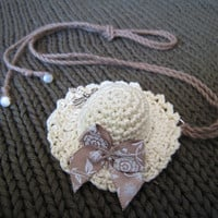 Romantic style necklace choker handknitted mini hat crochet pendant mother of pearl nacre beads coton ribbon