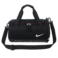 NIKE street fashion men and women models shoulder diagonal large-capacity sports bag Black