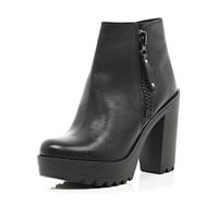 River Island Womens Black cleated sole block heel ankle boots