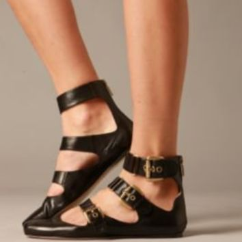 Buckle Town Flats