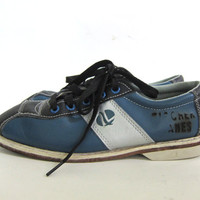 20% OFF SALE Vintage blue and silver gray bowling shoes. Leather oxfords. Lace up shoes. size 6
