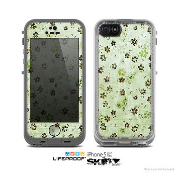 The Vintage Green Tiny Floral Skin for the Apple iPhone 5c LifeProof Case