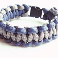 Paracord Bracelet- Para-Band- Paracord Survival Bracelet- Camping Gear- 550 paracord- Military Bracelet- Blue and Gray- Gifts for Him/Her