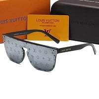 Louis Vuitton LV Hot Selling Fashion Character Letters Men and Women Sunglasses Beach Glasses UV Protection Glasses Driving Reflective Glasses