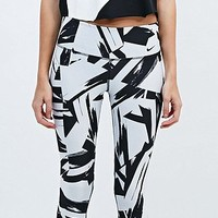 Nike Legend Floe Running Leggings in Black and White - Urban Outfitters
