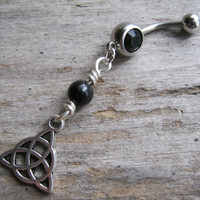 Triquetra Belly Button Ring, Antiqued SILVER Body Jewelry, Black Agate Celtic Jewelry, Birthstone Navel Ring, Nature Wiccan Piercing