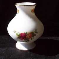 Vintage Royal Albert Old Country Rose Vase