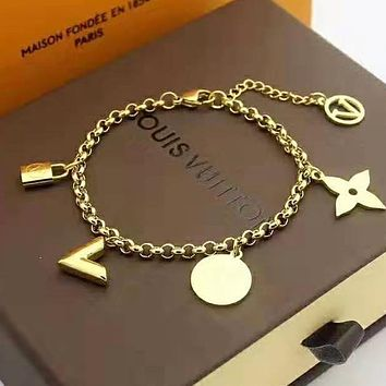 LV Louis Vuitton Fashion Girls Stainless Steel Bracelet Hand Catenary Jewelry Golden