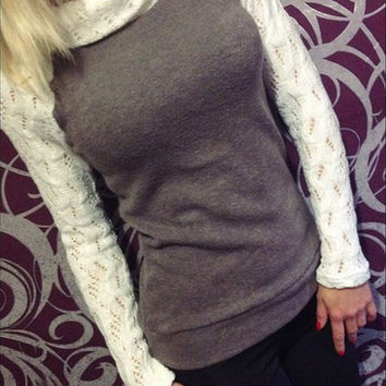 Elastic High Collar Bottoming T-Shirt in Gray or Houndstooth