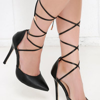 Winning Strategy Black Lace-Up Pumps