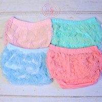 Ruffle Bloomers..Pastel Color Lace Ruffle Bum Baby Bloomer..Baby bloomers..Cake Smash..NewbornmRuffle bloomers .. Diaper cover .. Photo prop