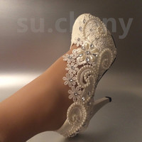 Mid heels round toe Lace Flower Bride Wedding Shoes
