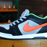 Nike - Kids Mogan Mid 3 JR - Black/Orange