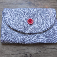 White and Black Paisley eReader/eBook Cover/Sleeve, Fits most Kindles and Nook
