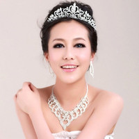 Fashion accessory A bride jewelry diamond tiara palpitating with excitement eager to do sth. Korean Wedding Necklace three dresses wedding accessories (Color: Silver) = 1929768708