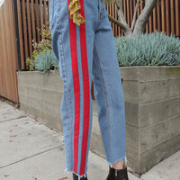 Double Contrast Stripe Jeans S size, L size delivery starts from 27th Mar along with your purchase order!!