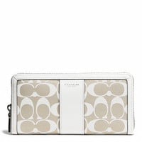 LEGACY ACCORDION ZIP WALLET IN PRINTED SIGNATURE FABRIC
