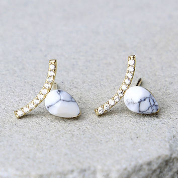 Want it Minimal Gold and White Earrings