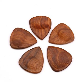 IRIN Wood Acoustic Guitar Pick Electric Bass Plectrum Hearted Shape Pick Guitar Guitarra Accessories Stringed Musical Instrument