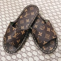 Louis Vuitton LV Men's and Women's Leather Slippers Flat Bottom Flat Heel Home Indoor and Outdoor Non-slip, Wear-resistant, Strong and Wearable Sandals