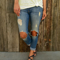 Blue Mid-Waisted Frayed Design Jeans