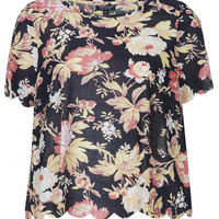 Toile Flower Scallop Tee