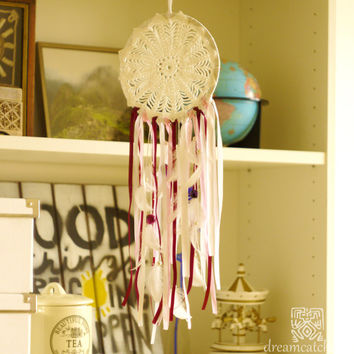 Wedding Dreamcatcher, Doily Dreamcatcher, White Dreamcatcher, Crochet Dreamcatcher, Handmade, Boho, White and Pink, Wall Hanging