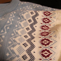 vintage ivory ski lodge sweater. preppy ivory sweater. cable knit ivory sweater