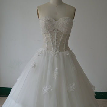 Sweetheart Neckline Boned Sheer Bodice with Lace Appliques Wedding Dress Corset Bridal Gown with 3 Layers Tulle Skirt