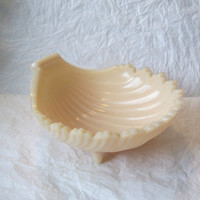 Vintage Westmoreland Glass Creamy Beige Footed Shell Dish