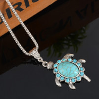 SNAZZY Turquoise Turtle Shaped Pendant Necklace