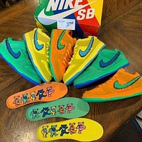 Nike SB Dunk Low Hot Sale Dancing Bear Joint Shoes Men and Women Low Top Personality Casual Shoes